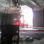 arbeid med oppsetting av telt