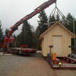 heising og transport av liten hytte