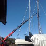 heising av mast på seilbåt